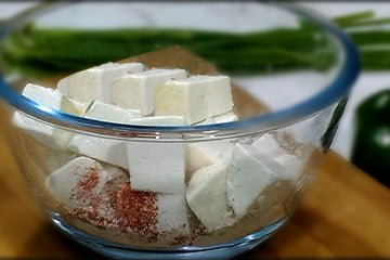 add fresh paneer in bowl for marination
