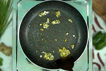 fry ginger garlic in pan