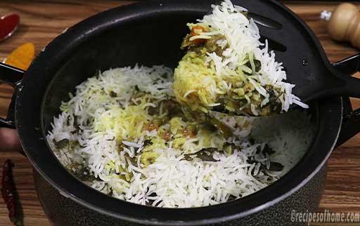 fluf-the-veg-biryani-with-sharp-spatula