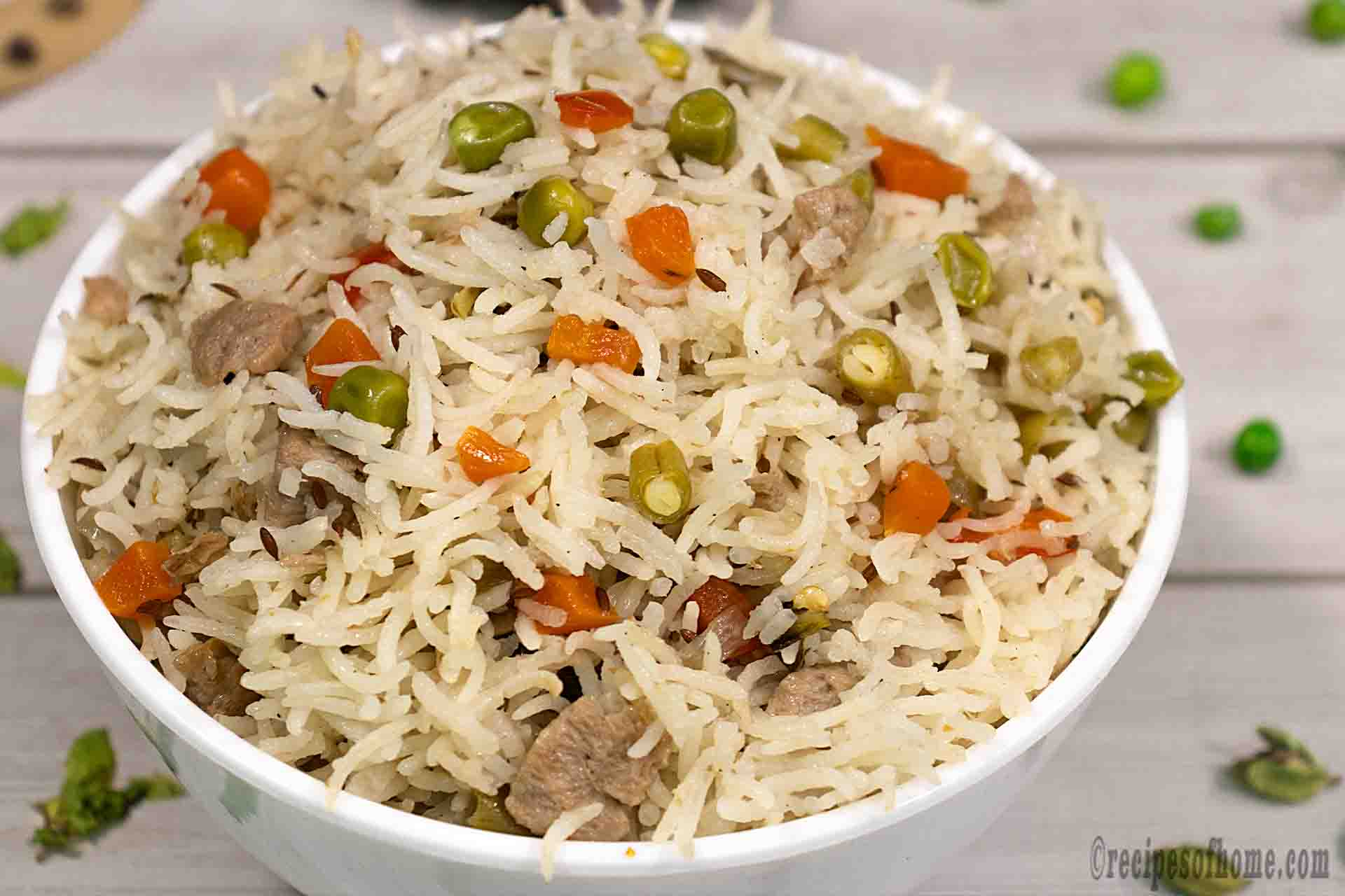 vegetable-pulao-in-white-bowl